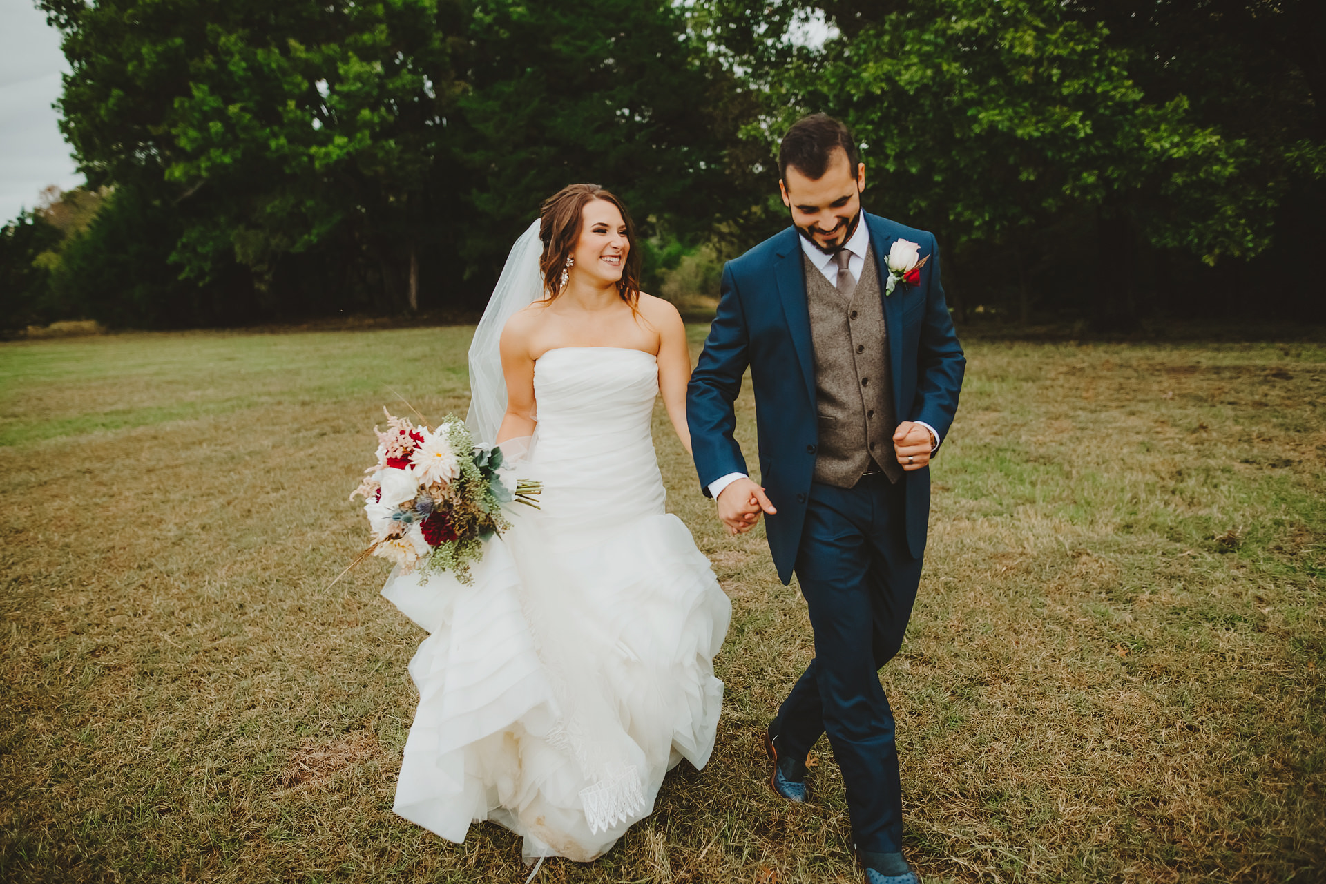 milagro farms wedding photographers austin wedding